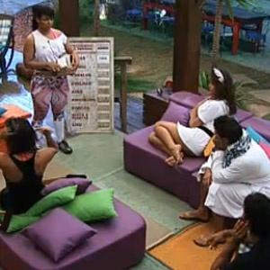 Fazendeira Melancia divide as tarefas matutinas para os peões (20/11/2010)