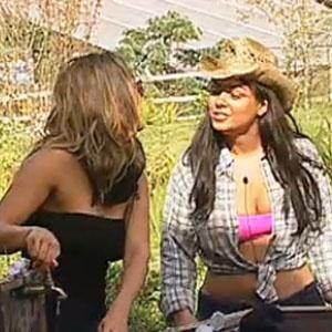Piu-Piu cumprimenta a nova Fazendeira (21/11/10)