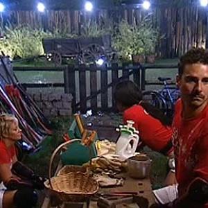 Luiza, Melancia e Sergio conversam na oficina após atividade (25/11/10)