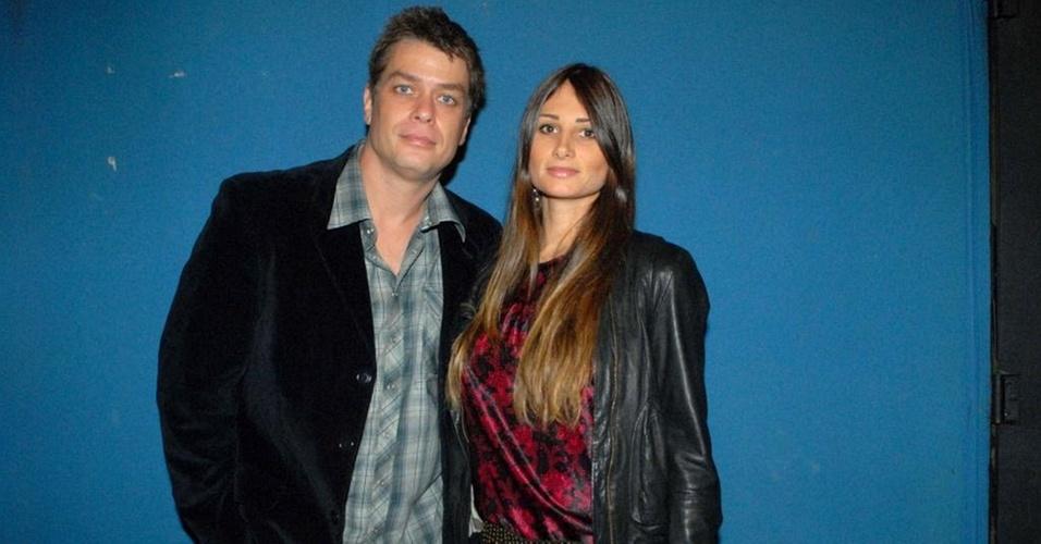 Fábio Assunção e Karina Tavares em homenagem a Renato Russo (3/11/10)