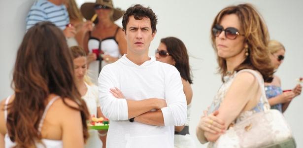 Gabriel Braga Nunes e Deborah Evelyn (à dir.) gravam cenas de Insensato Coração (8/12/10)