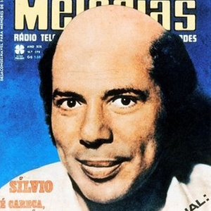 Silvio Santos aparece careca na revista 
