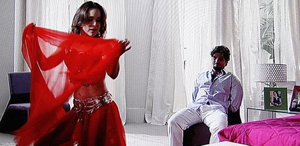 Gabriela Duarte e Bruno Gagliasso em cena de