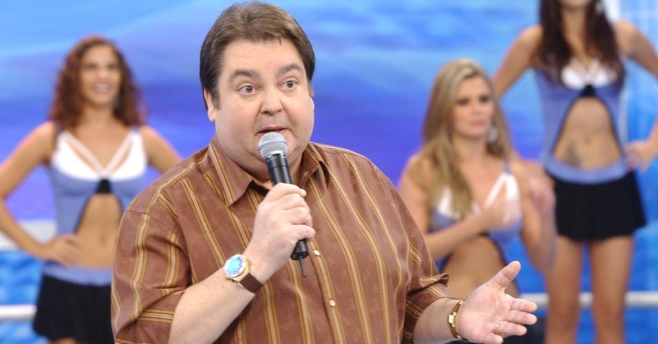O apresentador Fausto Silva à frente do