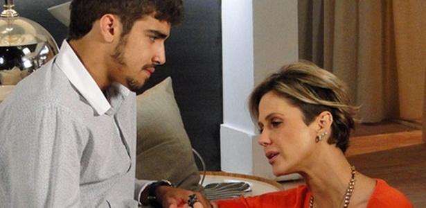 Caio Castro e Guilhermina Guinle em cena de