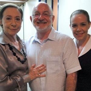 Silvio de Abreu entre Fernanda Montenegro e Débora Duboc no Projac (4/1/11)