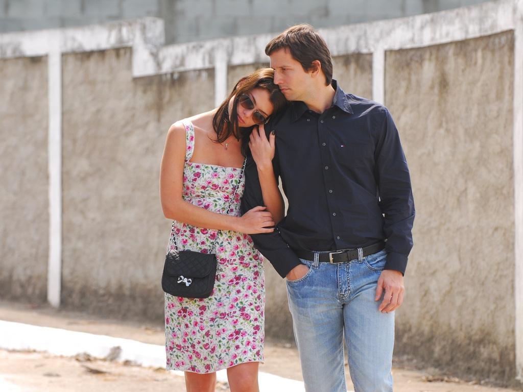 Alinne Moraes e Vladimir Brichita em cena dos episódios