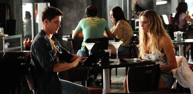 Leonardo Miggiorin e Deborah Secco em cena de