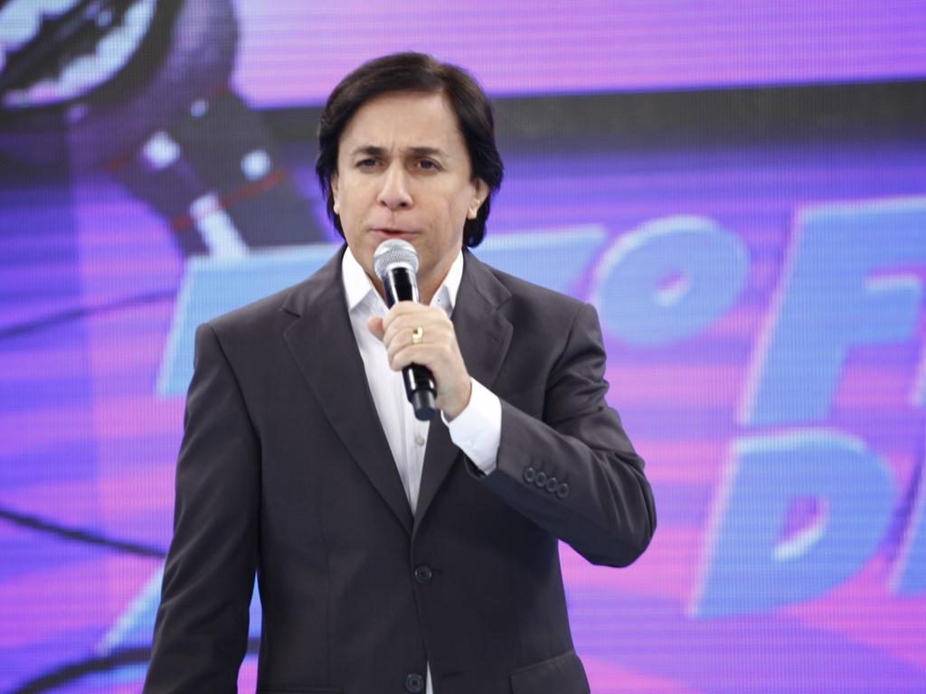 O apresentador Tom Cavalcante apresenta o