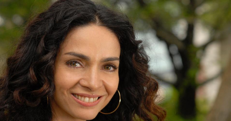 "A atriz Cláudia Ohana está no elenco da novela ""Cordel Encantado"" da Globo (2/2/2011)"