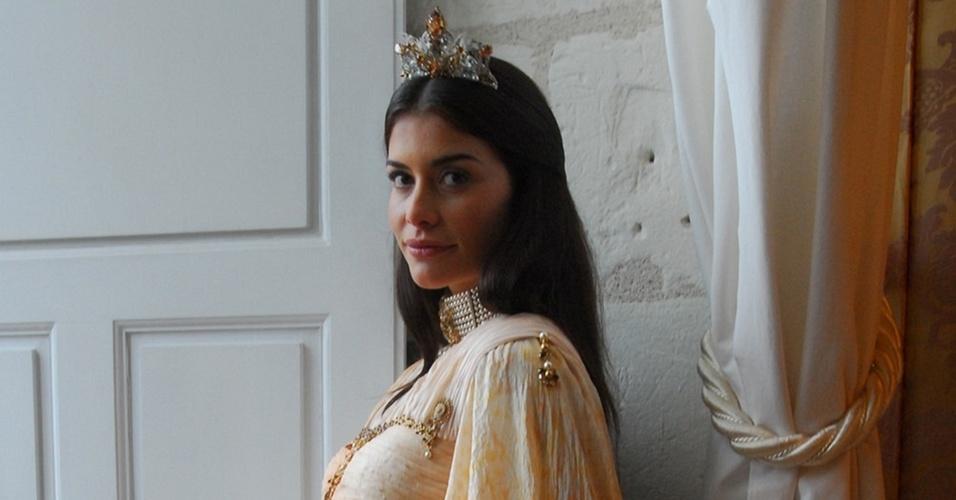 Alinne Moraes em cena da novela