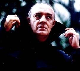 ney-latorraca-e-o-vampiro-vlad-na-novela-vamp-de-1991-1298327204280_270x240.jpg