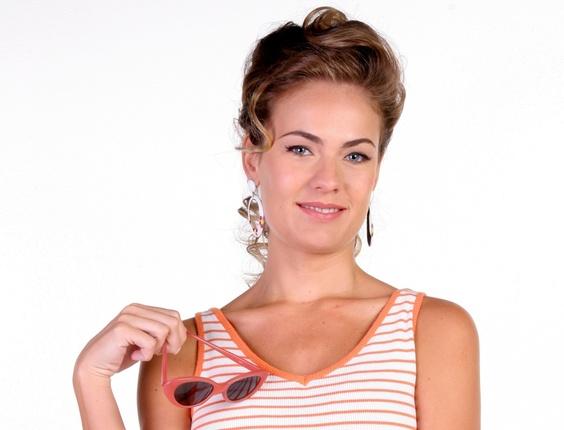 http://tv.i.uol.com.br/televisao/2011/02/25/a-atriz-thais-pacholek-interpreta-miriam-santos-na-novela-do-sbt-amor-e-revolucao-1298674525000_564x430.jpg