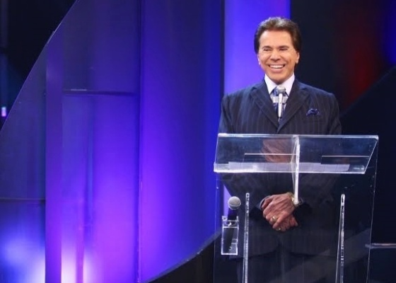 silvio santos aposenta seu lincoln branco e coloca o carro em exposi o tv telinha o que voc. Black Bedroom Furniture Sets. Home Design Ideas