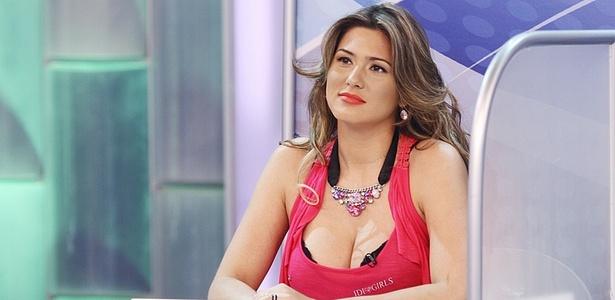 http://tv.i.uol.com.br/televisao/2011/04/15/livia-andrade-e-alvo-de-piada-no-programa-silvio-santos-17411-1302891600961_615x300.jpg