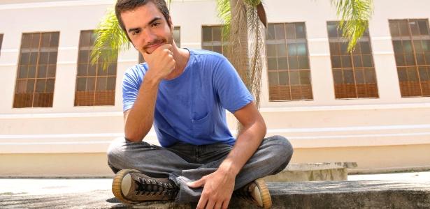 http://tv.i.uol.com.br/televisao/2011/04/26/o-ator-bernardo-marinho-2742011-1303847719104_615x300.jpg