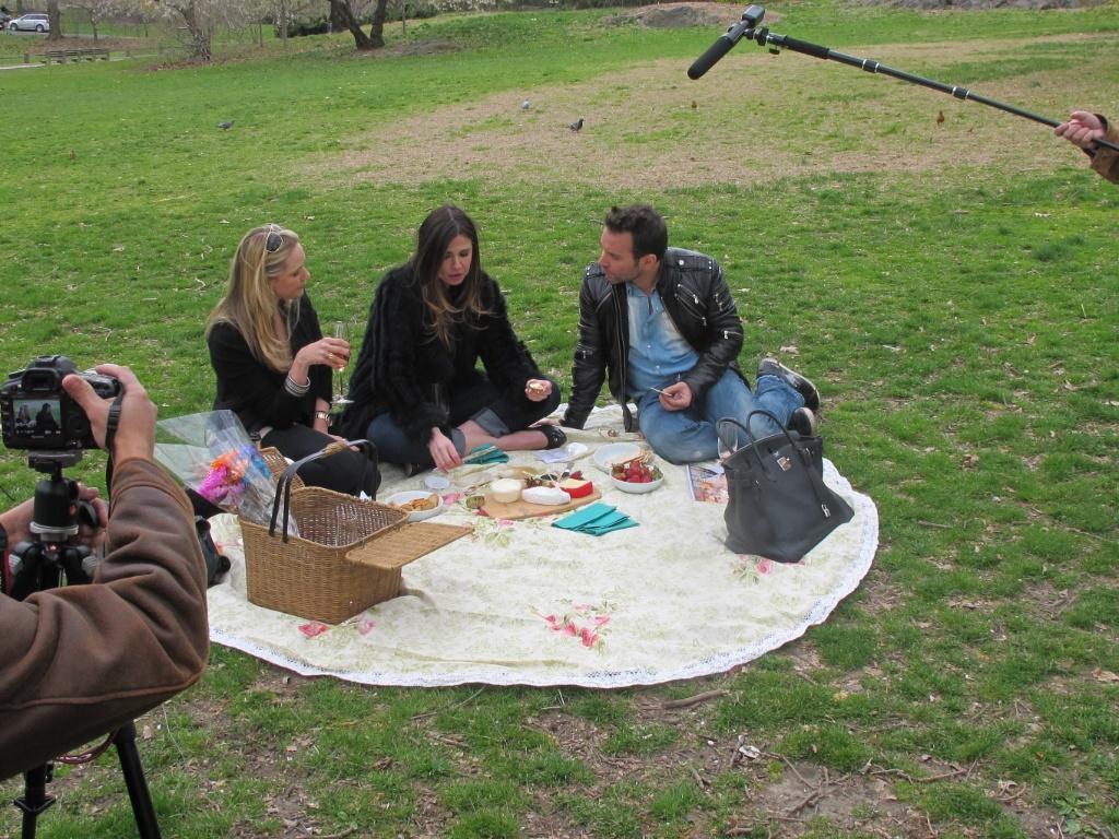 Da esquerda para a direita, Fabiana Saba, Luciana Gimenez e Matheus Mazzafera no Central Park, em Nova York (abril/2011)