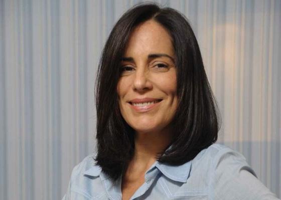 Glória Pires posa com o novo visual de Norma em Insensato Coração (maio/2011)