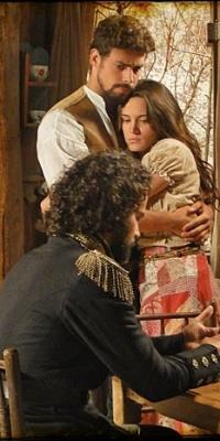 Carmo Dalla Vecchia, Cauã Reymond e Bianca Bin em cena de
