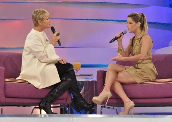 Deborah Secco é entrevistada por Xuxa no TV Xuxa (21/5/11)
