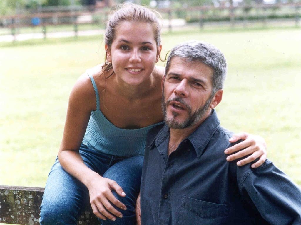 Deborah Secco e José Mayer em