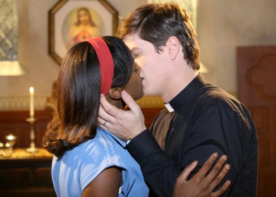 http://tv.i.uol.com.br/televisao/2011/06/27/patricia-dejesus-e-pedro-lemos-em-cena-de-amor-e-revolucao-472011-1309189218513_560x400.jpg
