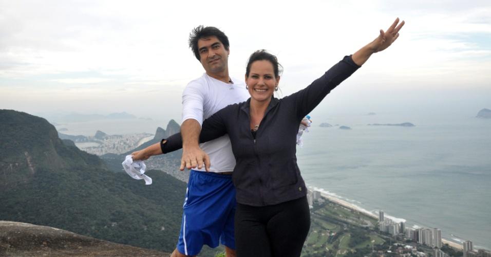 Zeca Camargo e Renata Ceribelli encantam-se com a Pedra Bonita no
