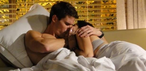 Cecília e Rafa se reconciliam e têm tarde de amor