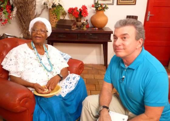 Edney Silvestre conversa com a mãe de Santo, Stella de Oxossi (8/7/2011)