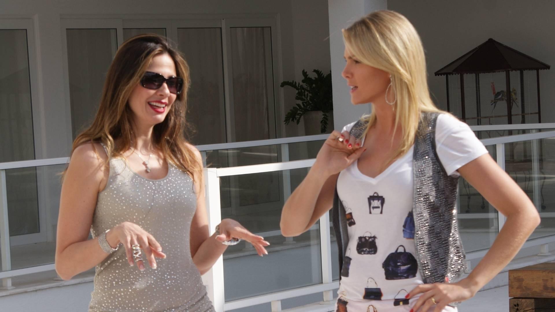 Ana Hickmann e Luciana Gimenez gravam seus programas