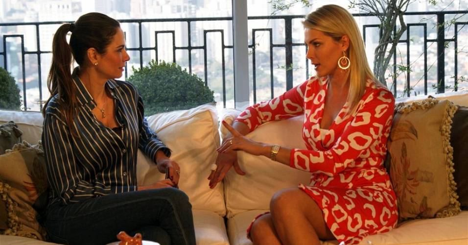 Luciana Gimenez entrevista Ana Hickmann para o