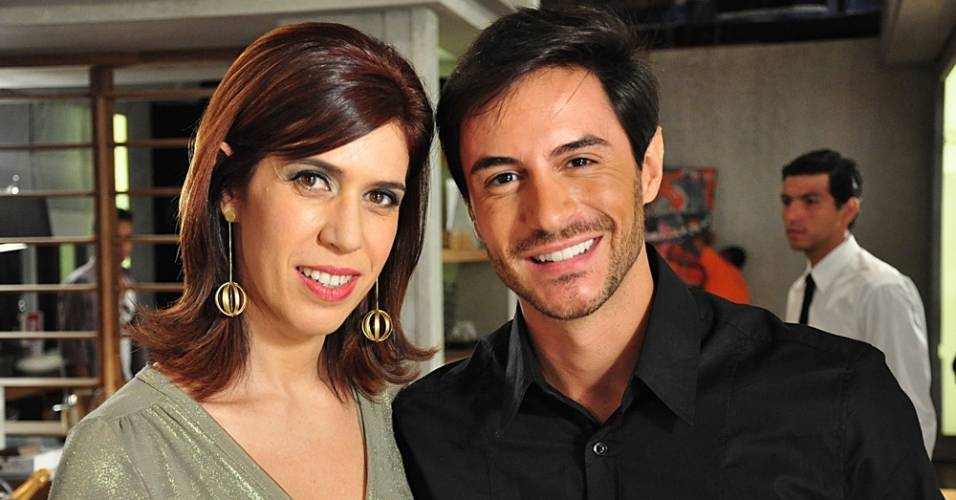 """Maria Clara Gueiros e Ricardo Tozzi em cena de """"Insensato Coração"""" (junho/2011)"""