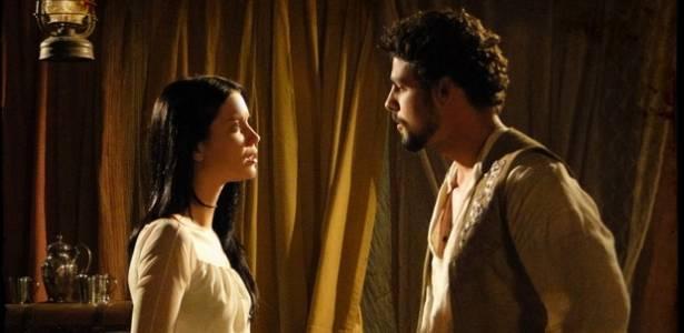 Nathalia Dill e Cauã Reymond em cena de