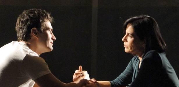 Ao descobrir que Léo causou morte de Carmem, Norma decide entregá-lo à polícia
