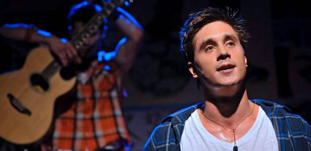 """No ar em """"Malhação"""", Ivan Mendes dedica-se também ao teatro, com a peça """"Garotos"""""""