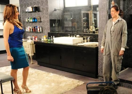 madame Teresa Cristina (Christiane Torloni) e a faz-tudo Griselda ...