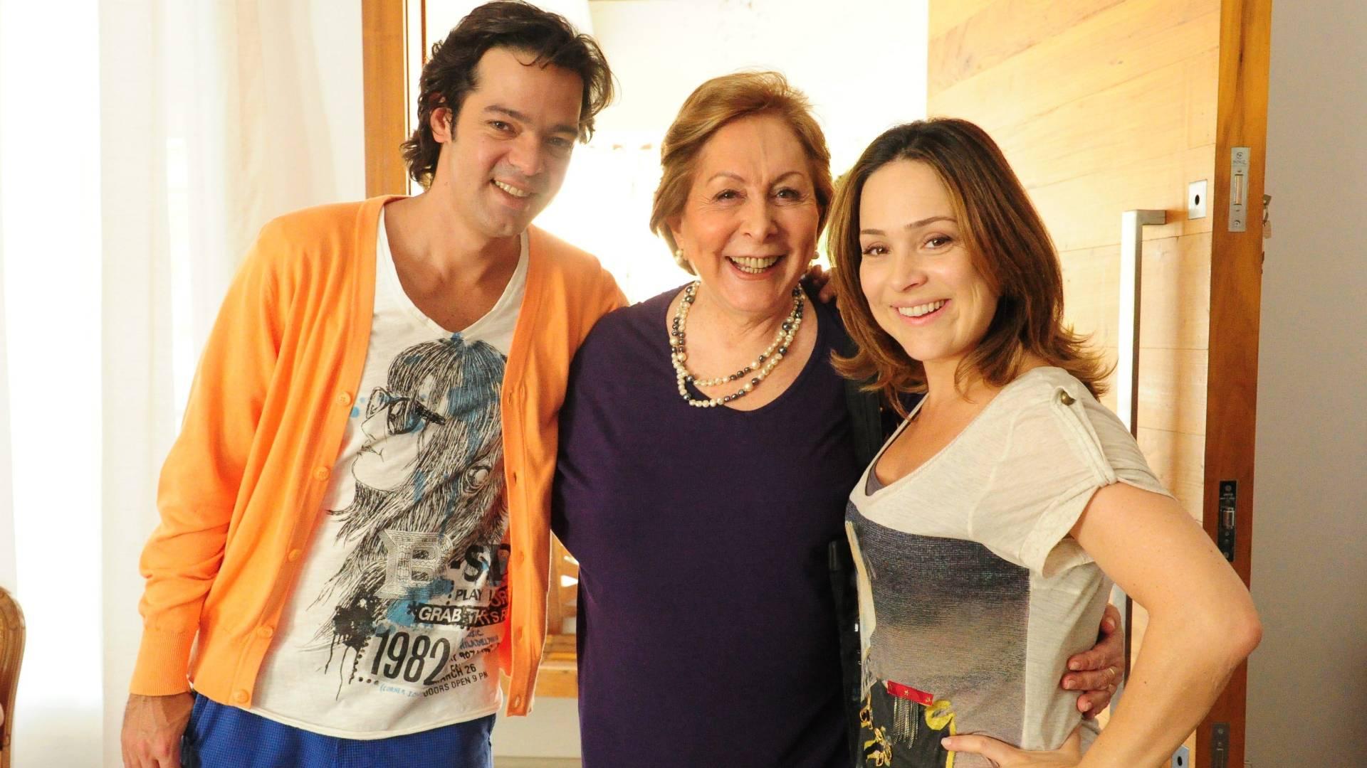 Da esquerda para direita, Bruno Mazzeo, Aracy Balabanian e Gabriela Duarte durante gravação do quadro