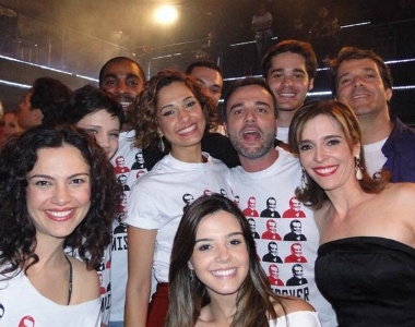 Bruna Linzmeyer, L&#225;zaro Ramos, Camila Pitanga,Marcello Vale, Giovanna Lancellotti e Deborah Evelyn se despedem de &#34;Insensato Cora&#231;&#227;o&#34; &#40;17/8/11&#41;