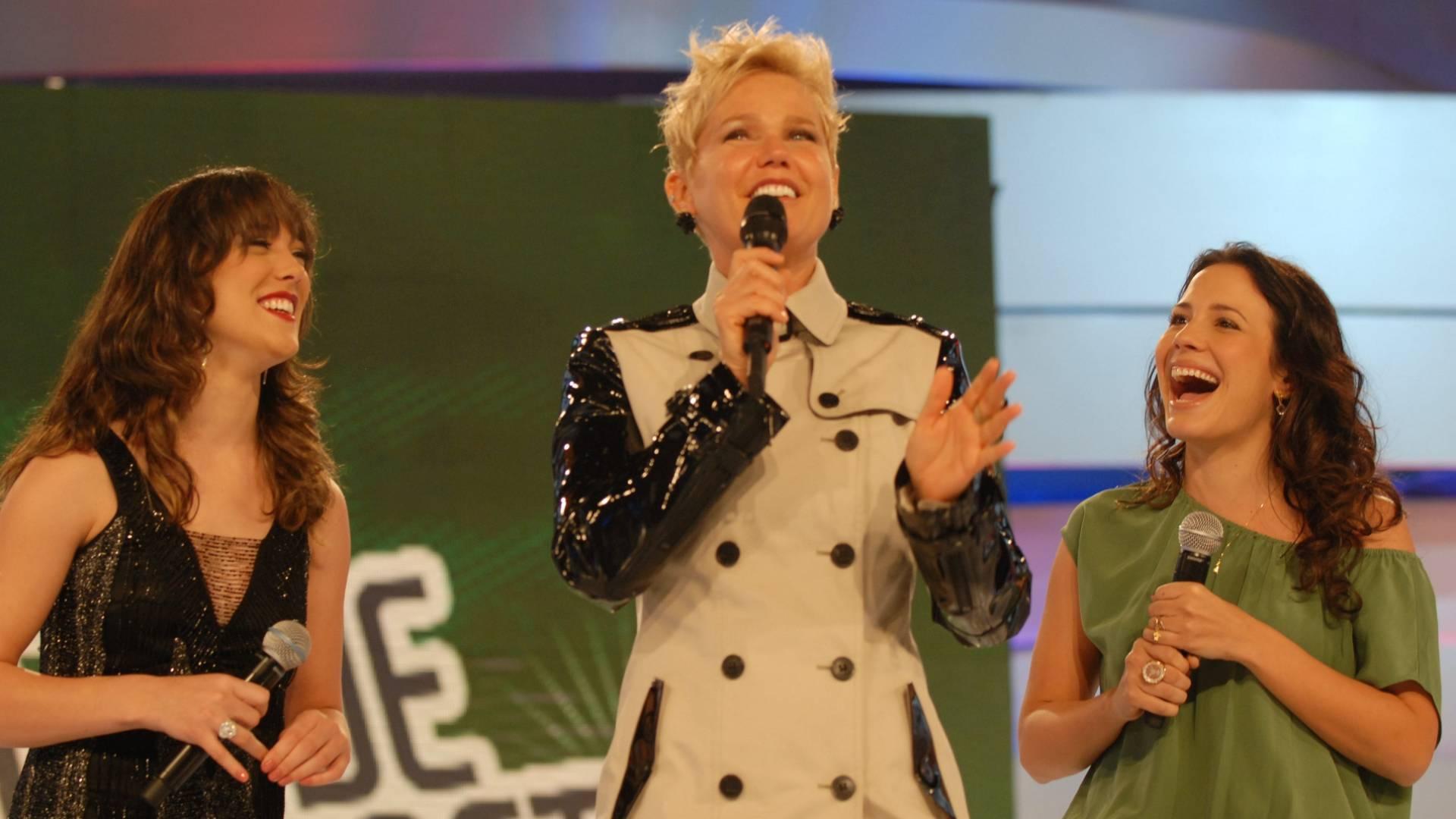 Da esquerda para a direita, Adriana Birolli, Xuxa e Juliana Knust durante gravação do