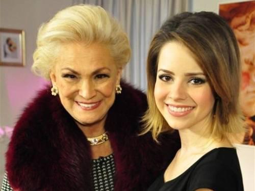 Hebe Camargo recebe a cantora Sandy para uma entrevista em sua casa (2/9/11)