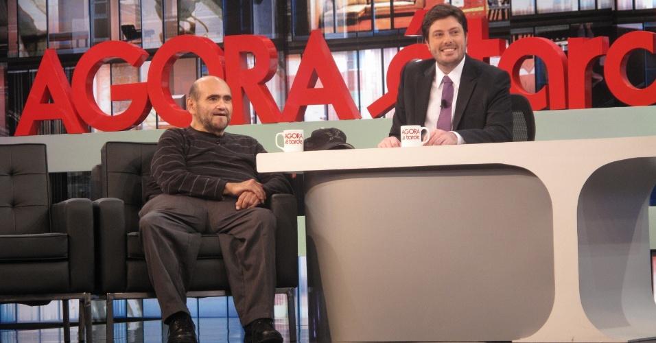 Edgar Vivar é entrevistado por Danilo Gentili no