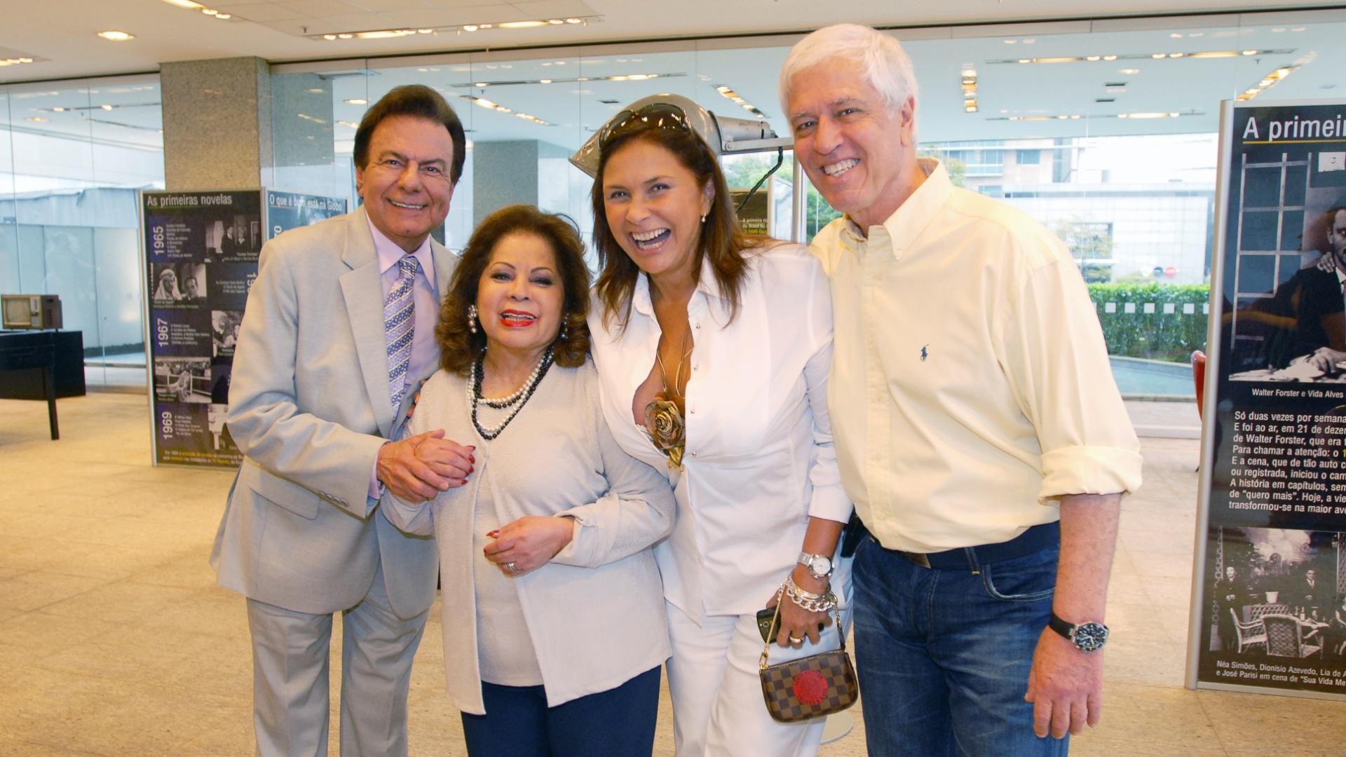 Agnaldo Rayol, Ângela Maria, Fafá de Belém e Nuno Leal Maia visitam a exposição