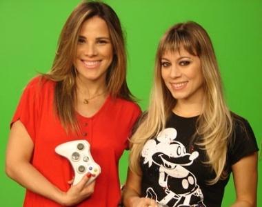 Wanessa posa para foto com Bianca Jhordão, apresentadora do