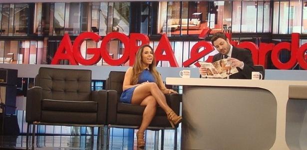 Mulher Melão é entrevistada por Danilo Gentili (5/10/11)
