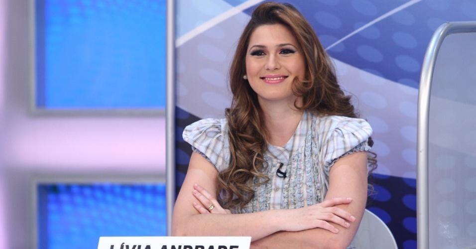 Lívia Andrade como jurada no Programa Silvio Santos (2011)