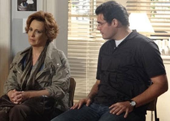 Ana Beatriz Nogueira e Thiago Lacerda em cena de