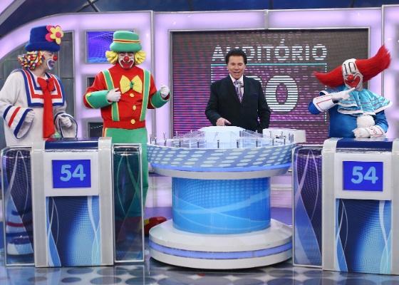 Patati e Patatá enfrentam Bozo no Programa Silvio Santos (6/11/2011)
