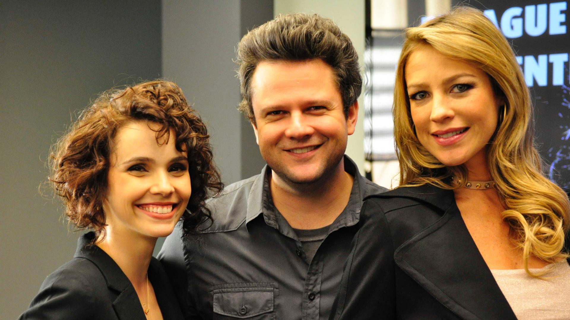 Da esquerda para a direita, Débora Falabella, Selton Mello e Luana Piovani em cena de