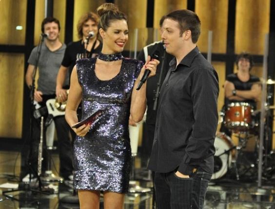 Fernanda Lima recebe o humorista Fábio Porchat no