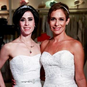 Da esquerda para a direita, Fernanda Torres e Andréa Beltrão em cena de Tapas e Beijos (20/12/11)